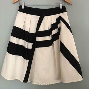 Reiss - Chic Full-Skirt in White/Black Grosgrain